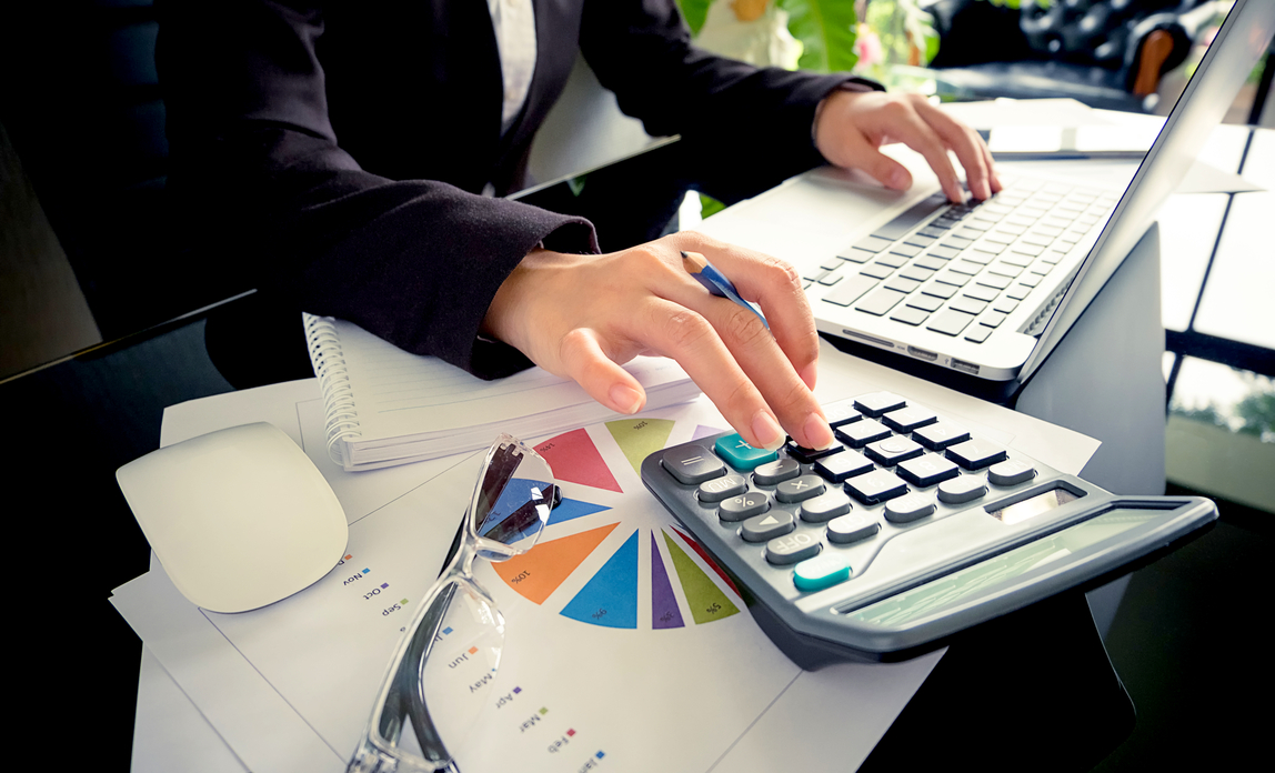 Calculate an employee's redundancy pay