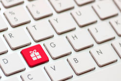 Christmas shoppers to spend over £10bn online
