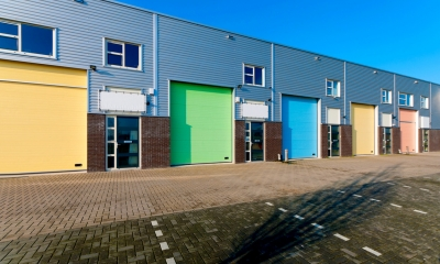 Row of commercial premises for sale under commonhold